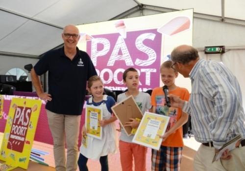 Drie jonge paspoorthouders ontvingen…